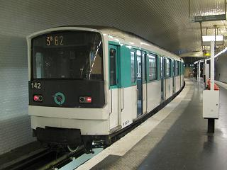 Photo courtesy of Beno.http://beno.org.uk/train/paris.html