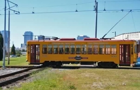 Here's train #433 at the mainline crossing. Photo courtesy of Shawn B.