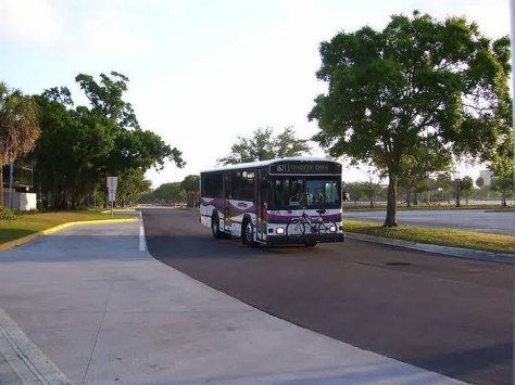 #608, a 30-foot Phantom, on the Route 41 as it approaches the West Tampa Transfer Center. Photo taken by HARTride 2012. December, 2007.