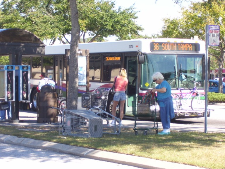 #2316 at Britton Plaza as the Route 36 – Dale Mabry/Himes Ave, one of my favorite routes. Before 2010, 40-foot buses were a rarity on this route. Photo taken by HARTride 2012. August 2009.