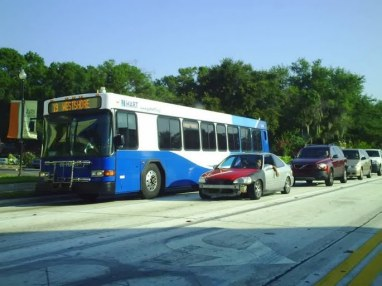 And here's #2409 about a week later on Dale Mabry, operating as Route 19 to Port Tampa via WestShore. This was another one of Shawn's favorite routes. Photo taken by HARTride 2012. August, 2009.