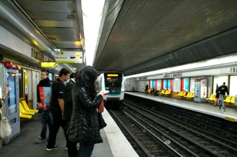 Mf 2001 train #096 arrives at station Franklin D. Roosevelt along the Paris Metro Line 9. Photo Credit: Minato.
